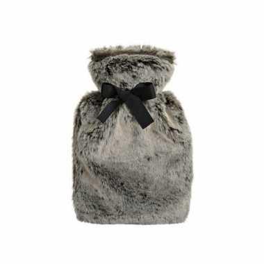 Rubberen winter kruik met grijze pluche hoes